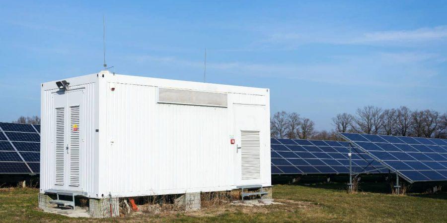 Solar-generator-in-solar-farm